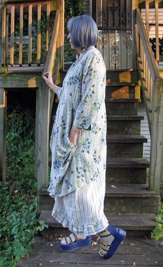 Sandra Betzina Vogue 1456  top pattern made in linen worn over the Tina Givens Sugar Slip pattern, also made in linen.