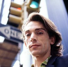 "FamososArgentina on Twitter: ""Federico Moura fotografiado por Alejandra Palacios en Nueva York, 1987… "" Entp, Rock And Roll, 3, Beauty, Wallpapers, Draw, Twitter, Celebs, Musica"