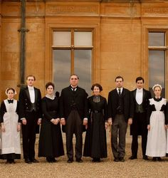 Watch the award-winning Downton Abbey on the official ITV. Julian Fellowes acclaimed drama series starring Hugh Bonneville and Maggie Smith. Hugh Bonneville, Rose Leslie, Maggie Smith, Downton Abbey Saison 1, Downton Abbey House, Downton Abbey Series, Jane Austen, Rob James Collier, Sir Anthony