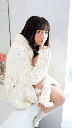 Hashimoto Kanna Japanese Eyes, Cute Japanese Girl, Japanese Beauty, Asian Beauty, Hashimoto Kanna, Hot Girls, Prettiest Actresses, Girls Sweaters, Portrait Inspiration