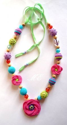 crochet necklace with beads Textile Jewelry, Fabric Jewelry, Beaded Jewelry, Handmade Jewelry, Love Crochet, Crochet Flowers, Crochet Bracelet, Crochet Earrings, Diy Schmuck