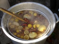 Crawfish Boil Expert boilers give you their advice Crawfish Recipes, Seafood Recipes, Seafood Dishes, Seafood Boil, Fish And Seafood, Jam Recipes, Cooker Recipes, Recipies, How To Cook Crayfish
