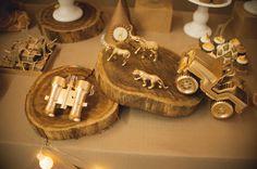 Tema muito fofo... para um ano do Davi...   em produção nada convencional...     com cookies estilizados,    muitos detalhes em dourado e ...