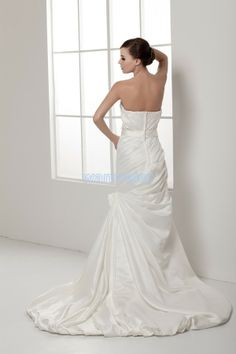 Satin Train A-line Sweetheart White Wedding Dress With Flowers(ZJ7313)