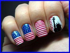 #nailart Lovin' this New York nail art design!