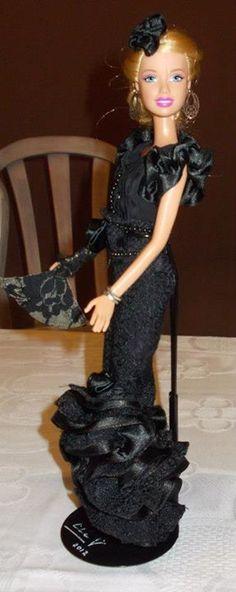 Barbie Contrabandista de la Escuadra Tarantos de las Fiestas de Moros y Cristianos de Elda (Alicante)