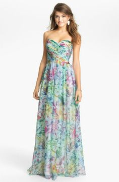 La Femme Print Strapless Maxi Dress I want to find a nice maxi dress for summer time! :)