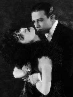 Alla Nazimova et Rudolph Valentino