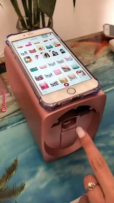 This nail art printer machine makes the nail art very easy & quick ! What do you think ? The post Nail Art Printer Machine Video appeared first on nageldesign. Cute Nails, Pretty Nails, Smart Nails, Pretty Nail Colors, Nail Art Printer, Nail Art Videos, Nail Art Designs Videos, Nail Art Video Easy, Nail Art Tips