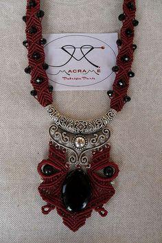 Collar Macrame, Macrame Necklace, Macrame Jewelry, Gemstone Jewelry, Jewelry Knots, Thread Jewellery, Jewelry Art, Macrame Art, Macrame Knots