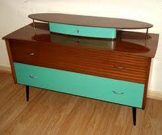 Retro Vintage Atomic 50s Teak Veneer Sideboard Dresser.