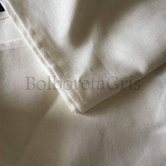 Pico (Medio Pañuelo) de lino.  En medida 100cm de lado. Ideales para bordar o para lucir como cubremoño. #productos #joyería #tradicional #pendientes #tradicionales  #bisuteria #plata #traje #regional #folclore #indumentaria #moda #complementos #tendencia #accesorios #joyas #bijou #pañuelo #pañuelos #mantones #manton #estampado #verano #tendencias