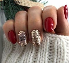 Here is a tutorial for an interesting Christmas nail art Silver glitter on a white background – a very elegant idea to welcome Christmas with style Decoration in a light garland for your Christmas nails Materials and tools needed: base… Continue Reading → Xmas Nails, Holiday Nails, Red Nails, Christmas Nails, Red Manicure, Cute Nails, Pretty Nails, Nail Art Noel, Nagel Blog