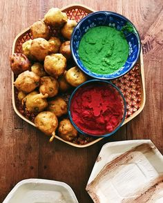 Starters at the Bombay Cook Club are always a bit tasty... freshly fried batata vadas green chutney beetroot chutney bliss  #spicemama #indianfood #indiancuisine #indian #streetfood #homecooking #bombaycookclub #popup #urbanlisted #urbanlistperth #vegetarian #glutenfree #foodrevolution #eatright #healthyfood #feedfeed #f52grams #saveur #eattherainbow #eattheworld #food #heresmyfood #gloobyfood #huffposttaste #beautifulcuisines #perthfood #perthfoodie #perthevents