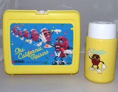 Lunch would be SO much more rad if I had this 1987 California Raisins lunchbox and thermos set.