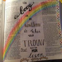 Handlettering Biblejournaling Bijbeljournaling Regenboog Trouw Een boog in de wolken Rainbow