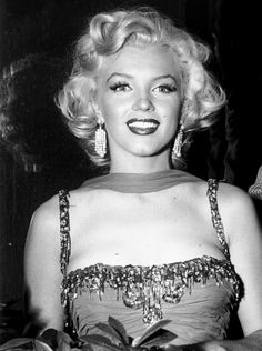 Marilyn Monroe at The St Jude Children's Hospital charity event at the Hollywood Bowl, in Los Angeles, Calif., on 10 July Marylin Monroe, Marilyn Monroe Photos, Hollywood Glamour, Classic Hollywood, Old Hollywood, Joe Dimaggio, Divas, Most Beautiful Women, Beautiful People