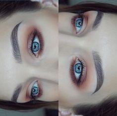 ❣️ beautiful @hannallamma BROWS: #BrowDefiner in Medium Brown and #Dipbrow in Dark Brown EYES: Modern Renaissance Palette #anastasiabeverlyhills…