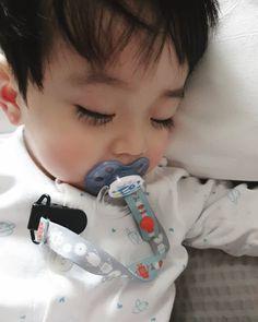"""""""Sono ah lu""""- y/n """"Ih ngusir cogan"""" -jisung """"누구세요? Cute Baby Boy, Cute Little Baby, Little Babies, Cute Boys, Kids Boys, Baby Kids, Baby Baby, Cute Asian Babies, Korean Babies"""