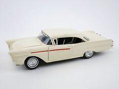 1957 Ford Custom Hardtop Vintage Plastic Amt Model Kit Built Toy Hot Rod White