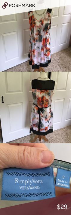 Vera Wang Dress Simply Vera sleeveless floral print. Shades of black, white, orange, purple, greens. Gorgeous quality and condition. Vera Wang Dresses Midi