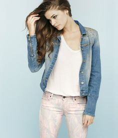 An embellished denim jacket = perfect for late-night shows.