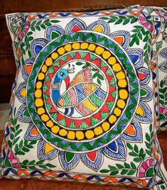 Madhubani Art, Madhubani Painting, Fabric Painting, Fabric Art, Handmade Bed Sheets, India Crafts, Fabric Paint Designs, Cushion Cover Designs, Buddhists