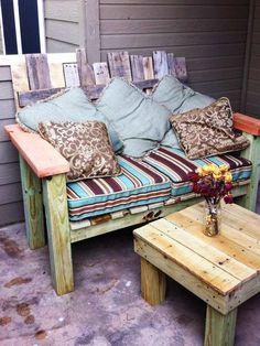 Gartenmöbel mit kuscheligen Kissen dekorieren ähnliche Projekte und Ideen wie im Bild vorgestellt findest du auch in unserem Magazin
