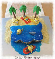 Silvia's Tortenträume: Minions am StrandKuchen Torte Cake  Minion Wasser Palmen Rotkäppchen-Torte  Mehr zur Torte im Hauptbeitrag: https://www.facebook.com/SilviasTortentraeume/posts/804258593008464