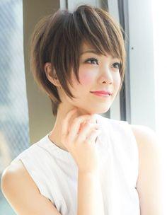 小顔ショートヘア(YR-352) | ヘアカタログ・髪型・ヘアスタイル|AFLOAT(アフロート)表参道・銀座・名古屋の美容室・美容院