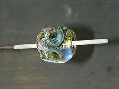 Am Symposium in Wertheim hatten einige Perlis die erste Vorführung verpasst; ihnen hatte ich versprochen, für die Opalwirbel-Perle ein Blogt...