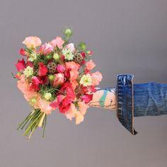 #bouquet #mémédanslesorties #memedanslesorties #poisdesenteur #scabiosa #nigelle #tulipe #fleuristeparis