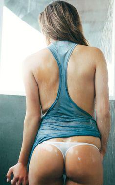 Sexy wet ass