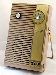 Vintage Zenith Royal 250 6-Transistor Radio, Made In USA, Circa 1959.