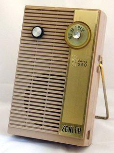 Vintage Zenith Royal 250 6-Transistor Radio, Made In USA, Circa 1959.