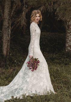 b40f2fba365 Long sleveed elegant dress Bohemian Wedding Dresses