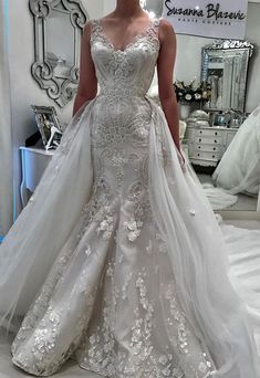 Sleeveless heavy embellishment mermaid wedding dress detachable ball gown skirt #weddingdress #weddinggown #wedding #bridedress