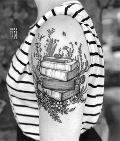 50 Amazing And Unique Arm Tattoo Designs For Women - Page 3 .- 50 Amazing And Unique Arm Tattoo Designs For Women – Page 3 of 50 50 Amazing And Unique Arm Tattoo Designs For Women – Page 3 of 50 – Chic Hostess - Pretty Skull Tattoos, Lace Skull Tattoo, Skull Tattoo Design, Wolf Tattoo Design, Beautiful Tattoos, Tattoo Floral, Amazing Tattoos, Tattoo Flowers, Butterfly Tattoos