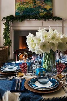 A Holiday table,..so pretty.  Bring out all your very best china, silver, linens and make it special.