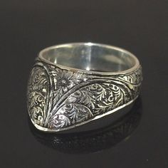 ABOUT RING: Zihgir  Zihgir is the Turkish word for the thumb ring used to draw the bow in the Ottoman empire. Turkish thumb rings were made of