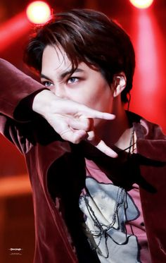 Kai 카이    Kim Jongin 김종인    EXO 엑소    1994    182cm    Main Dancer    Rapper    Vocal    Visual