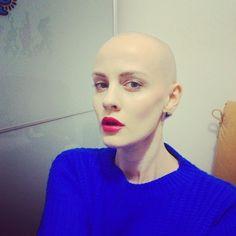 Bald Girl, Bald Women, Shaved Head, Veronica, Shaving, That Look, Long Hair Styles, Mood, Beauty
