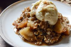 amaretto apple crisp