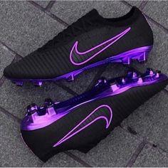 Adidas Soccer Boots, Nike Football Boots, Football Girls, Girls Soccer Cleats, Nike Cleats, Football Cleats, Best Soccer Cleats, Soccer Sports, All Black Nikes
