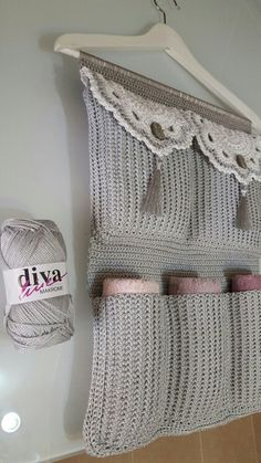 Best 12 Bathroom Organizer Crochet pattern by Accessorise – Page 748864244273648851 – SkillOfKing. Crochet Home, Crochet Gifts, Crochet Baby, Knit Crochet, Crochet Flower Patterns, Crochet Flowers, Knitting Patterns, Crochet Hook Case, Crochet Stitches