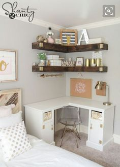 Beautiful Teenage Girls' Bedroom Designs Add more storage to your small space with some DIY floating corner shelves!Add more storage to your small space with some DIY floating corner shelves! Floating Corner Shelves, Corner Shelf, Corner Shelving, Floating Desk, Corner Vanity, Corner Storage, Floating Shelves Bedroom, Floating Cabinets, Shelves Above Desk