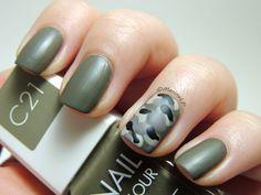 (UNE - C21) Camouflage - UNE Nail Colour