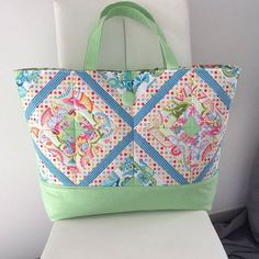 Diagonal tote bag Machine embroidery design in the hoop by swpea.com