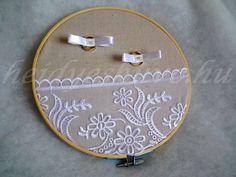 Hímző ráma vintage esküvői gyűrűtartó