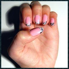 A funky fun pink and leopard print design. #nailart #nailartideas #leopard